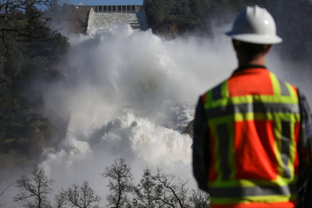 spillway broke at oroville dam