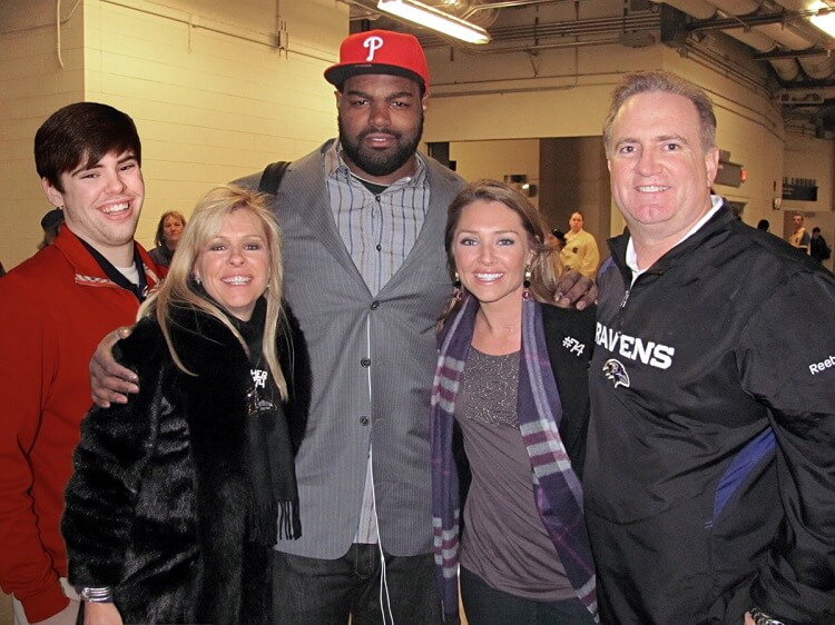 Touhy-Family-and-Michael-Oher-95925.jpg