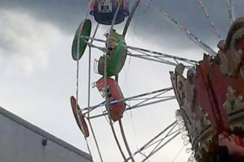 ferris-wheel-fall-56273.jpg