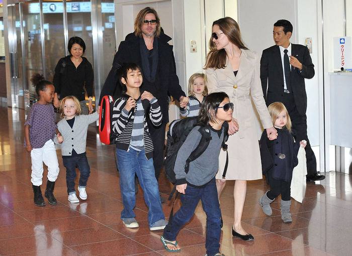angelina-jolie-six-children-35545.jpg