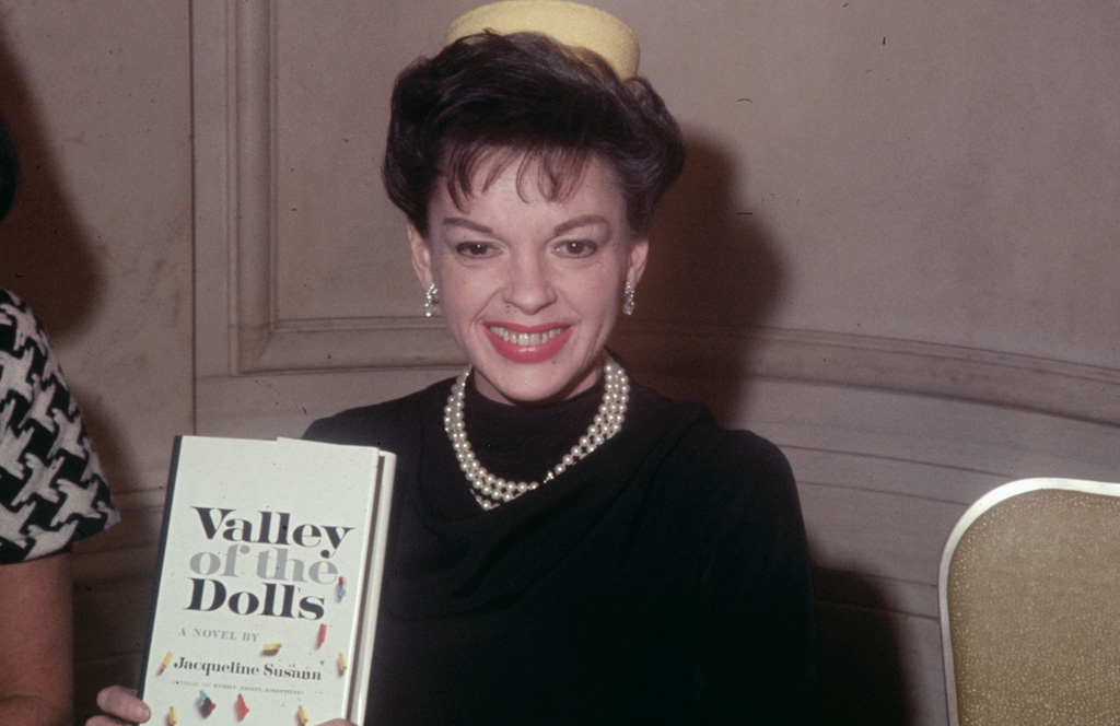 judy-garland-valley-of-the-dolls
