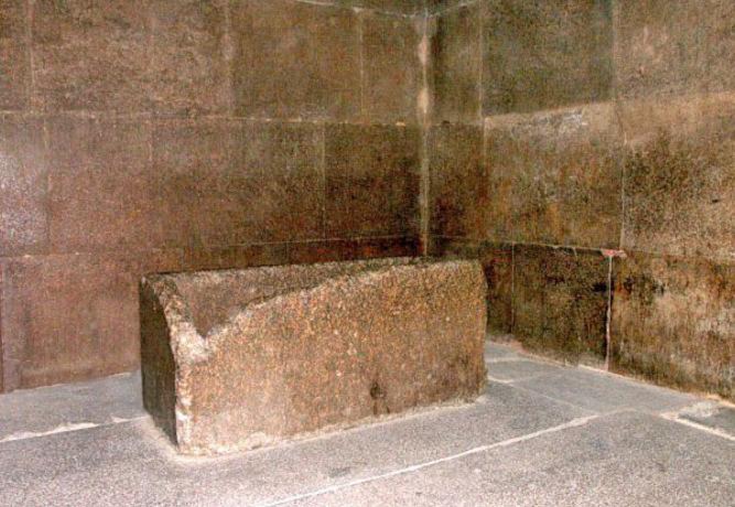 khufu-pyramid-72876-93442.jpg