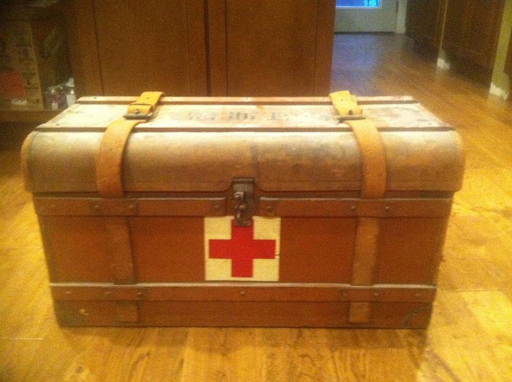 01-japanese-medical-box-locked-and-shut.jpg
