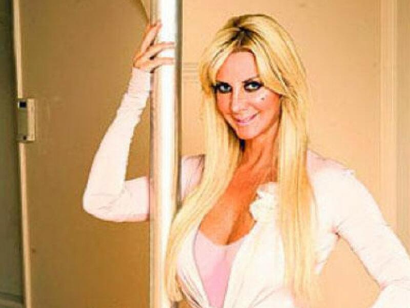 Sarah-Burge-as-Barbie-41938.jpg
