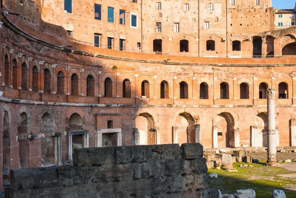 ancient roman mall