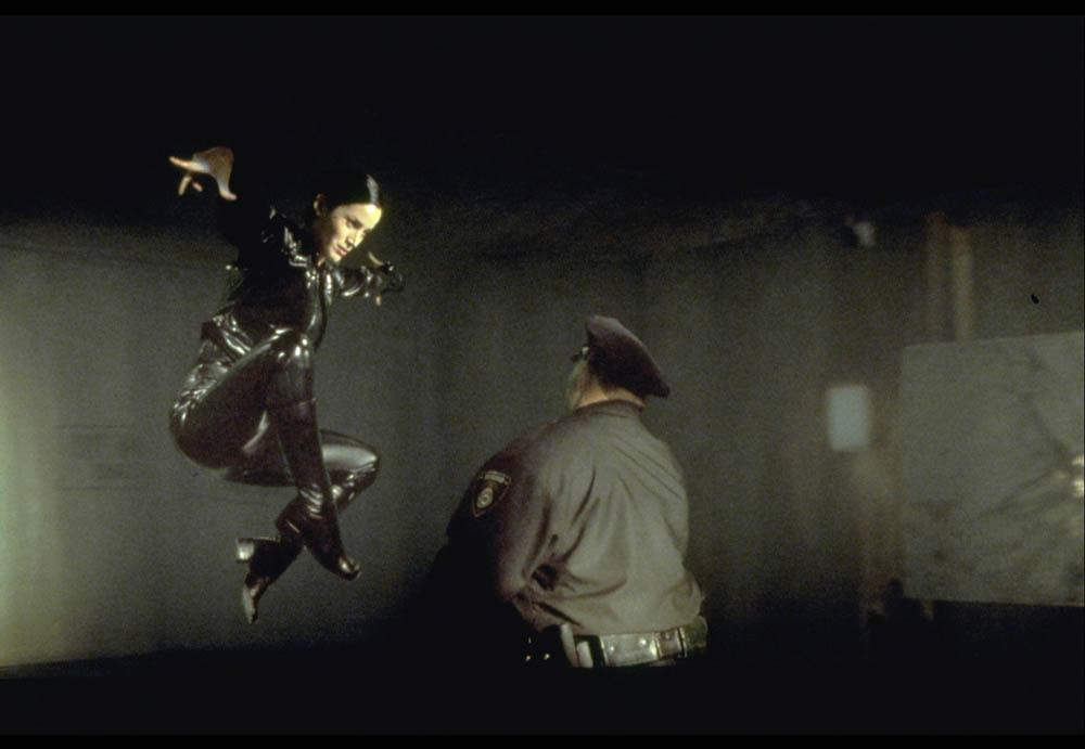 the-matrix_Trinity kick