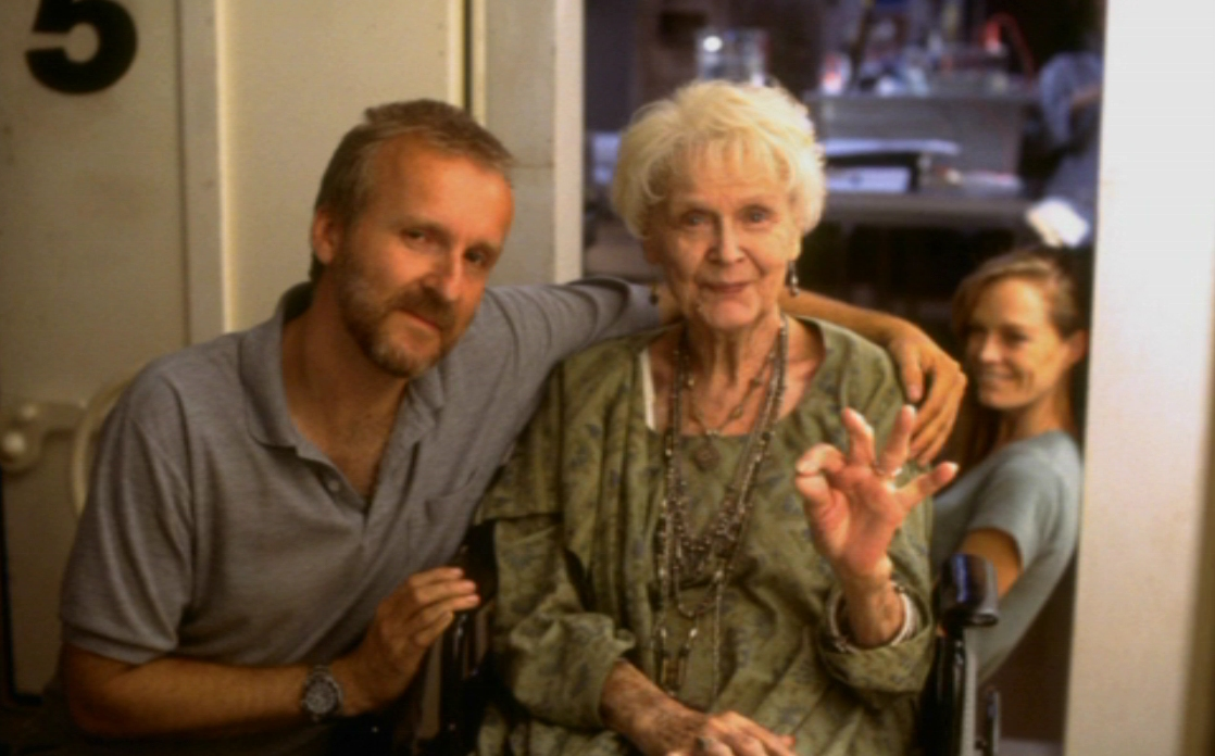 Gloria Stuart, James Cameron and Suzy Amis