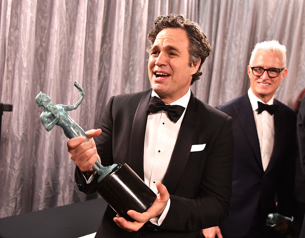GettyImages-507665070 Actor Mark Ruffalo, winner of the Outstanding Performance by a Cast in a Motion Picture award for 'Spotlight', poses backstage at The 22nd Annual Screen Actors Guild Awards at The Shrine Auditorium