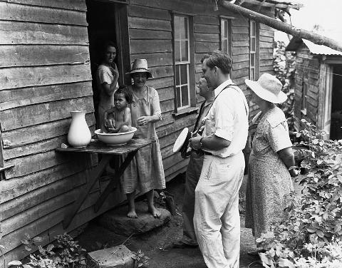 Pitcairn Islanders Greet Travelers