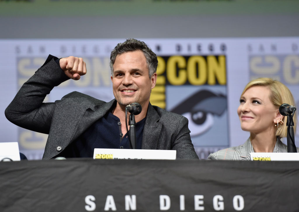 GettyImages-821076986 Actor Mark Ruffalo (L) and Cate Blanchett from Marvel Studios? ?Thor: Ragnarok' at the San Diego Comic-Con