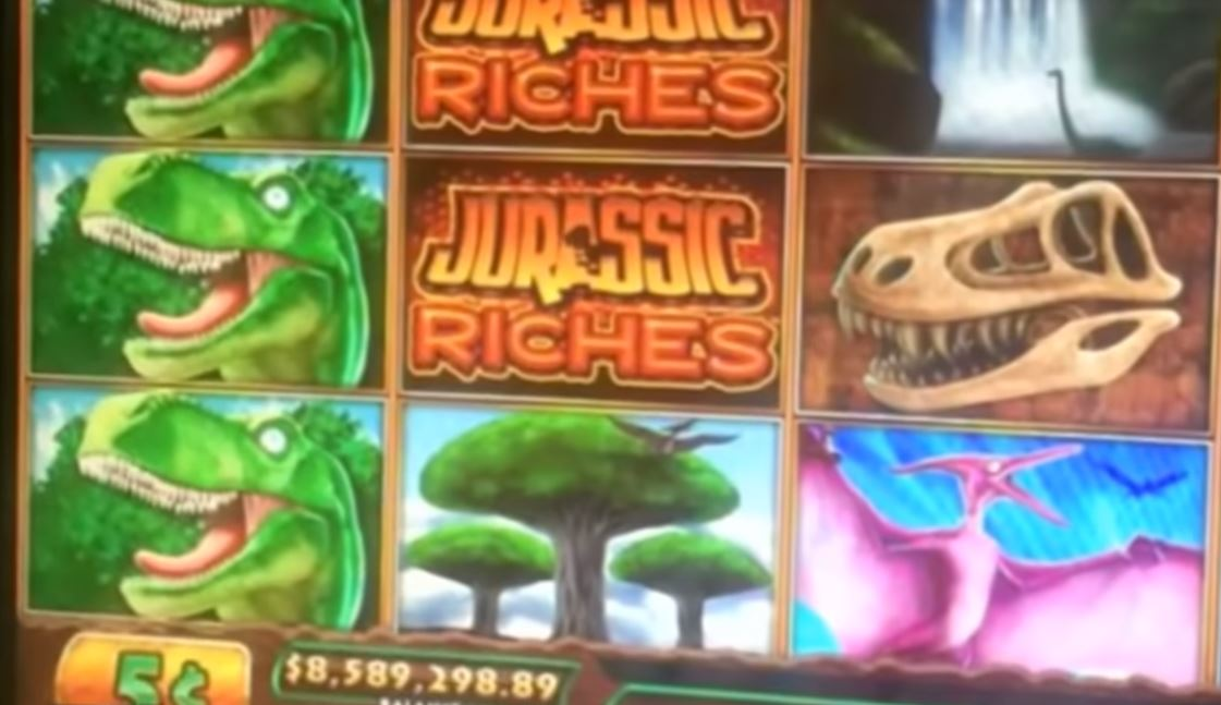 Screen of the Jurassic Riches slot machine