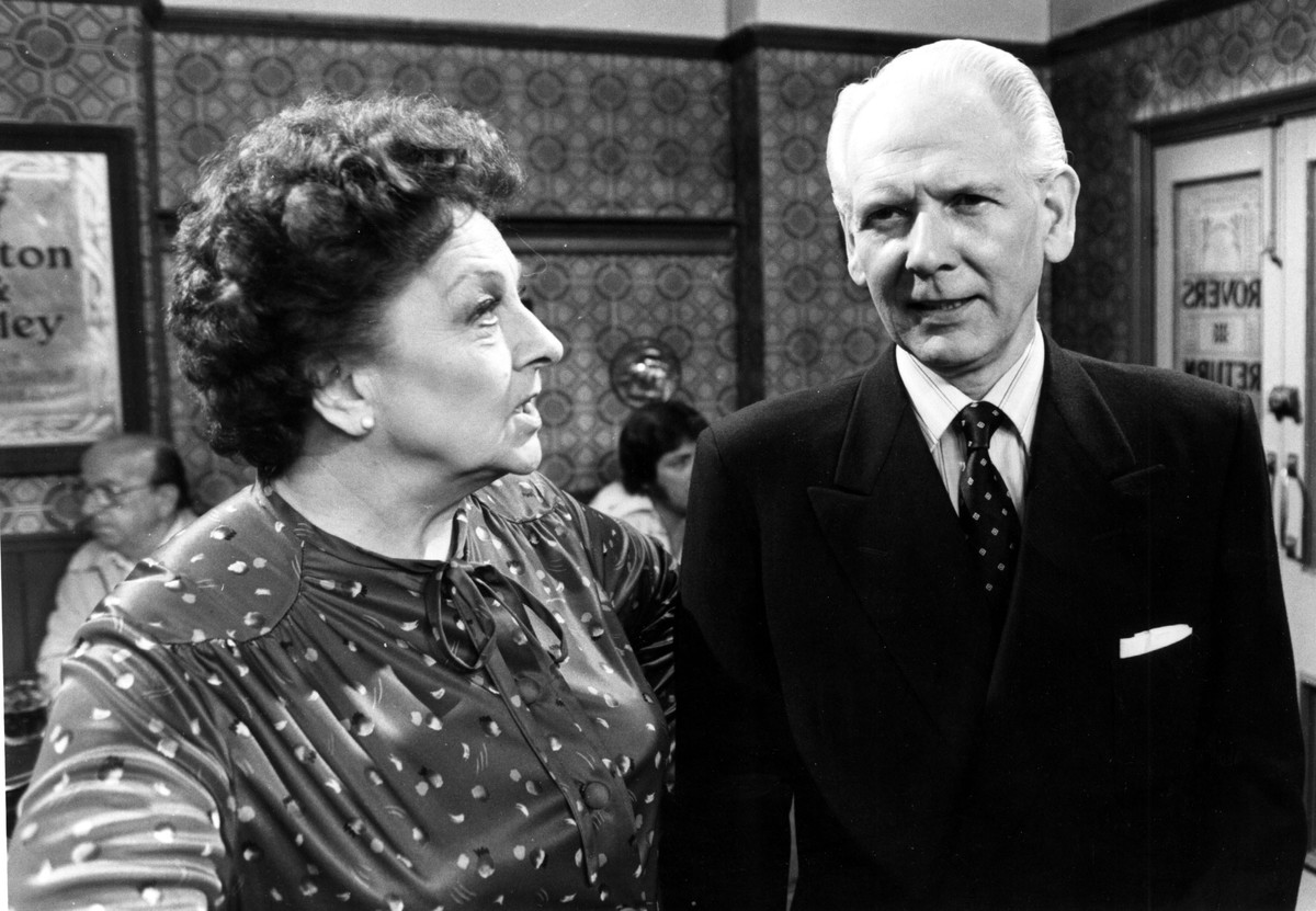 CORONATION STREET (UK TV 1982) GRANADA TELEVISION BETTY DRIVER as Betty Turpin, GERALD SIM as Ted Farrell