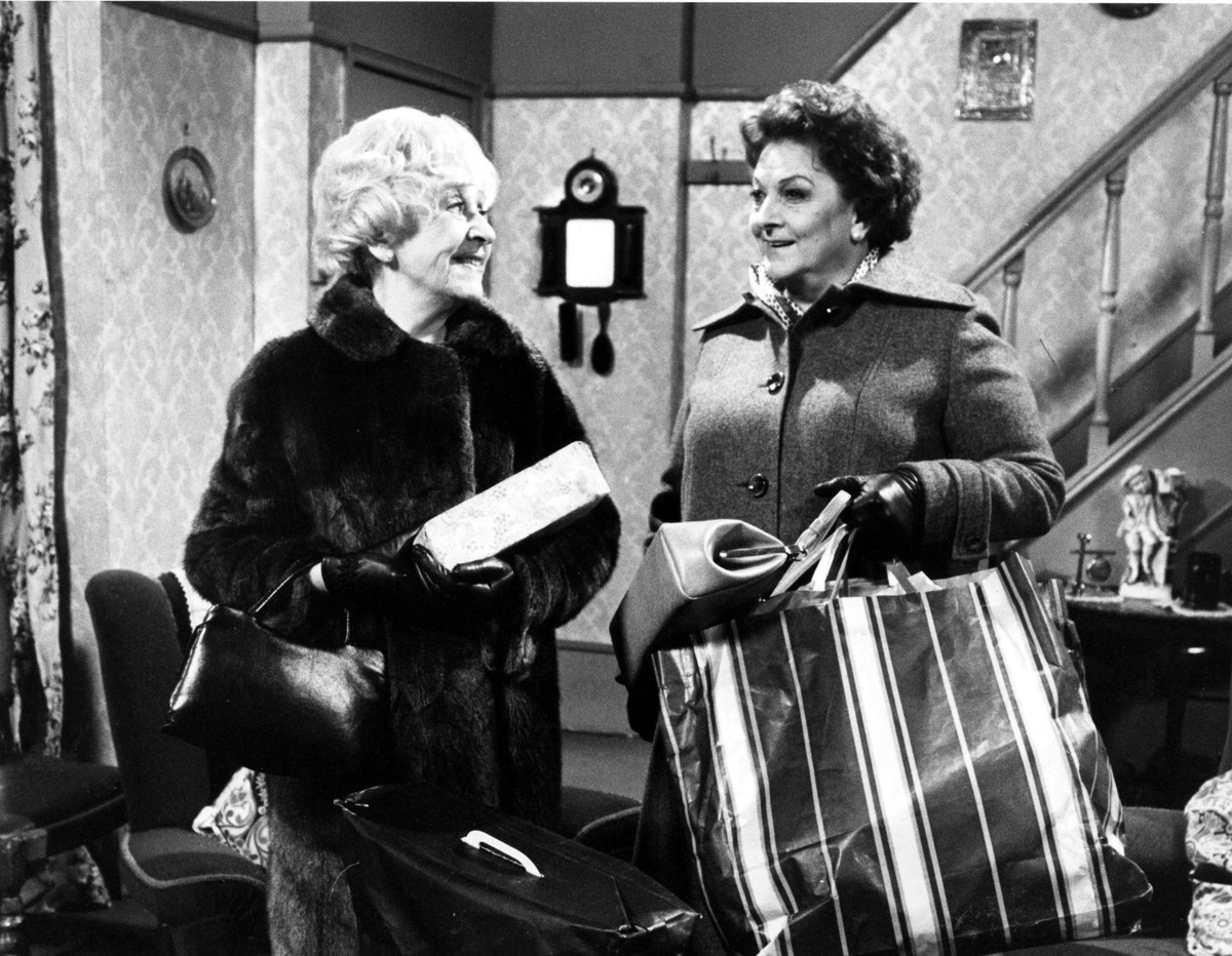 CORONATION STREET [BR 1960 - ] [TV] DORIS SPEED, BETTY DRIVER