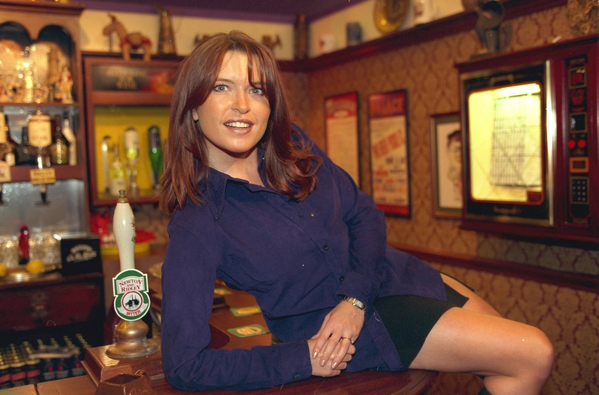 woman on bar corronation street