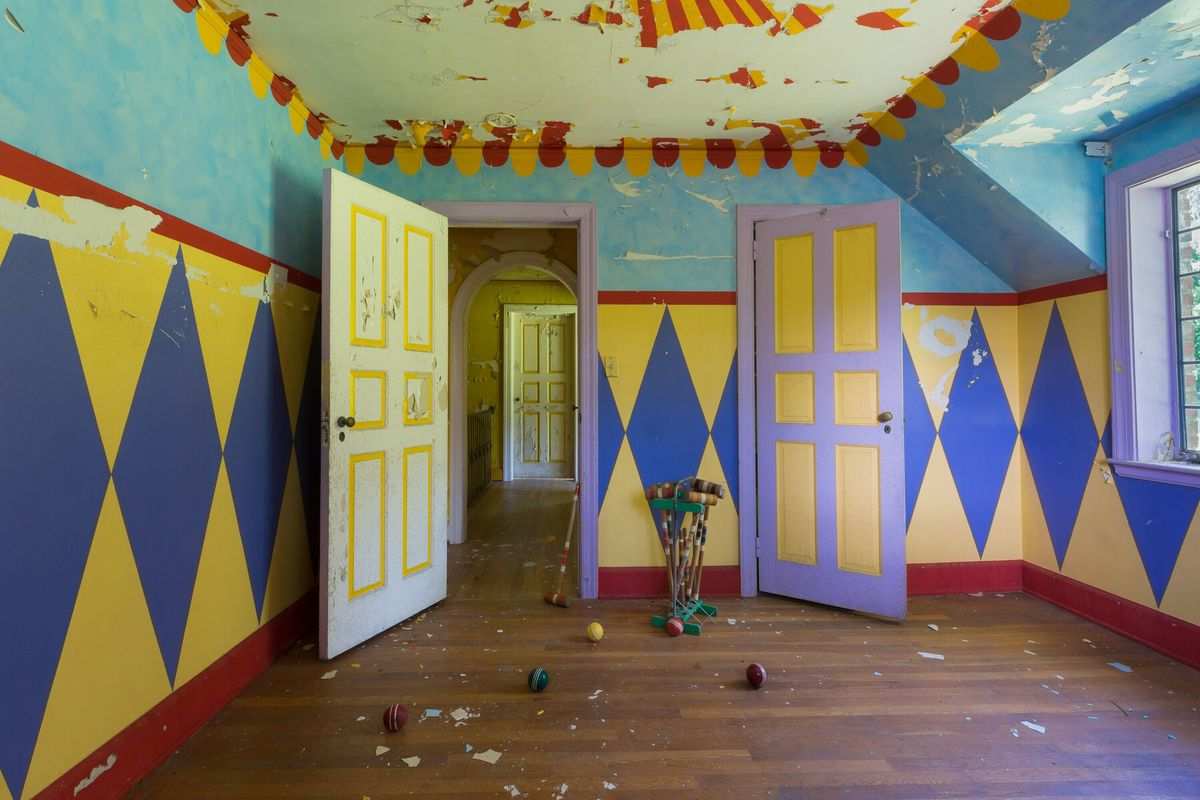 circus house circus room abandoned house story