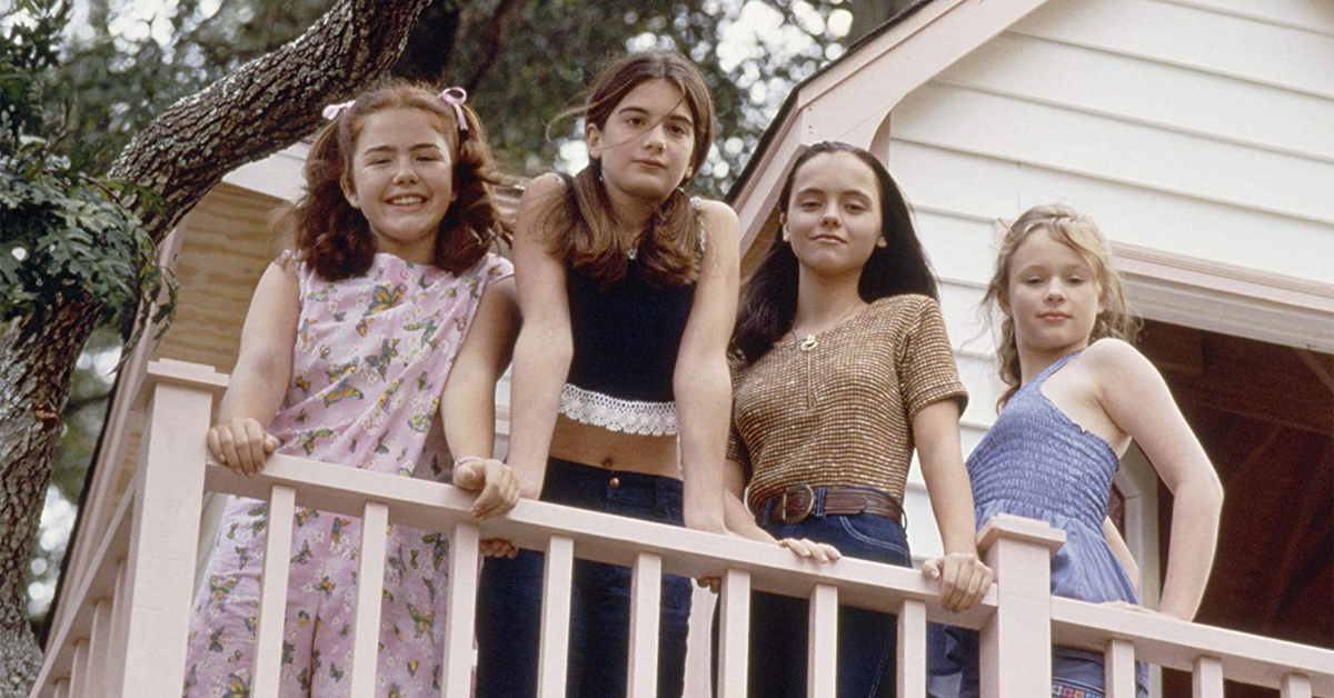 ashleigh aston moore, gaby hoffman, christina ricci, and thora birch standing in a tree house in now and then