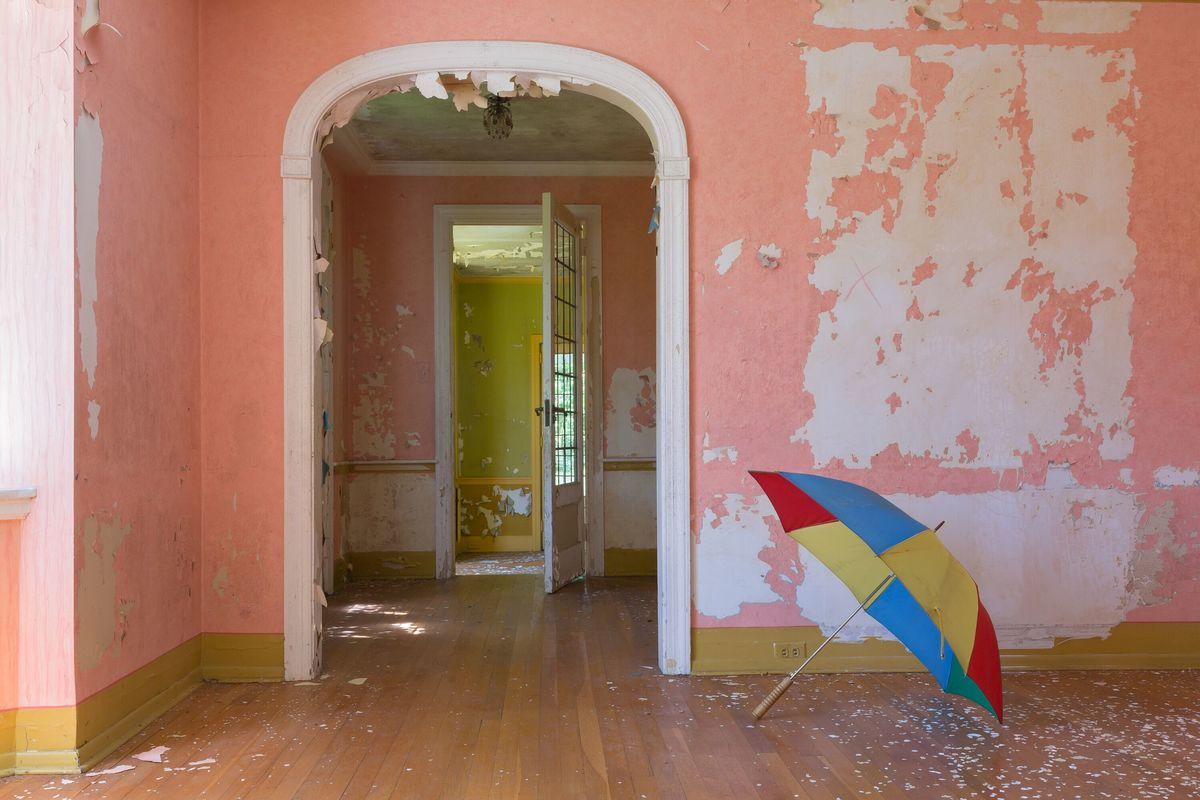 umbrella room circus house abandoned house story