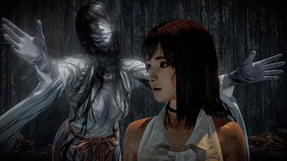 Screenshot of protagonist and ghost from Fatal Frame: Maiden of Black Water
