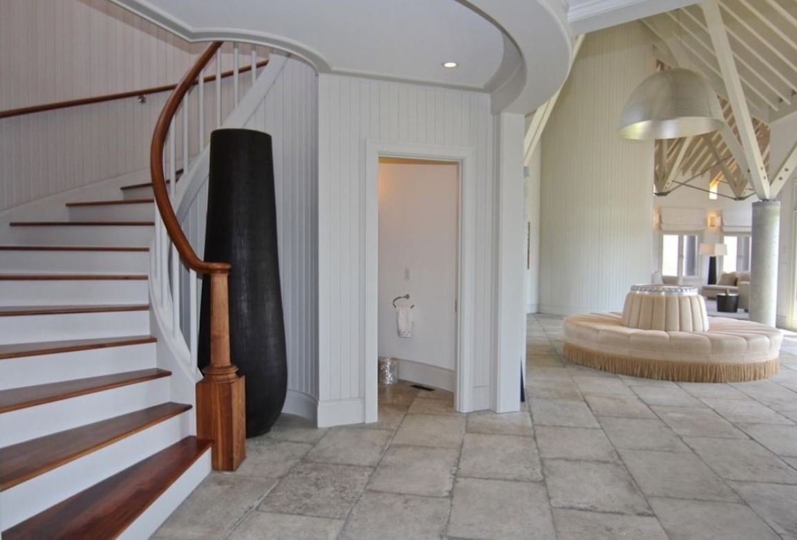 The entrance room of the Obama family's newest estate