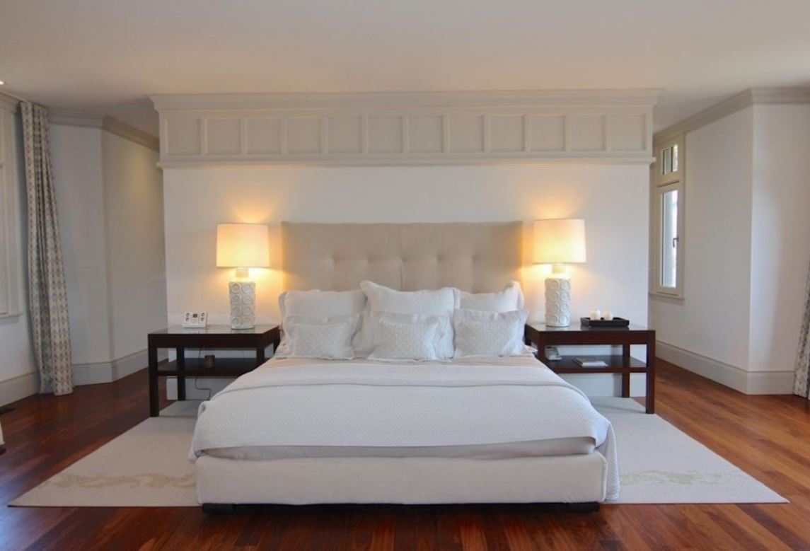 A big bedroom inside the Obama family's new estate