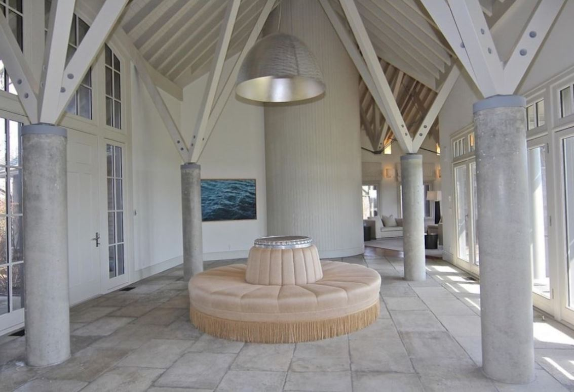 A room connecting the two wings in the Edgartown estate