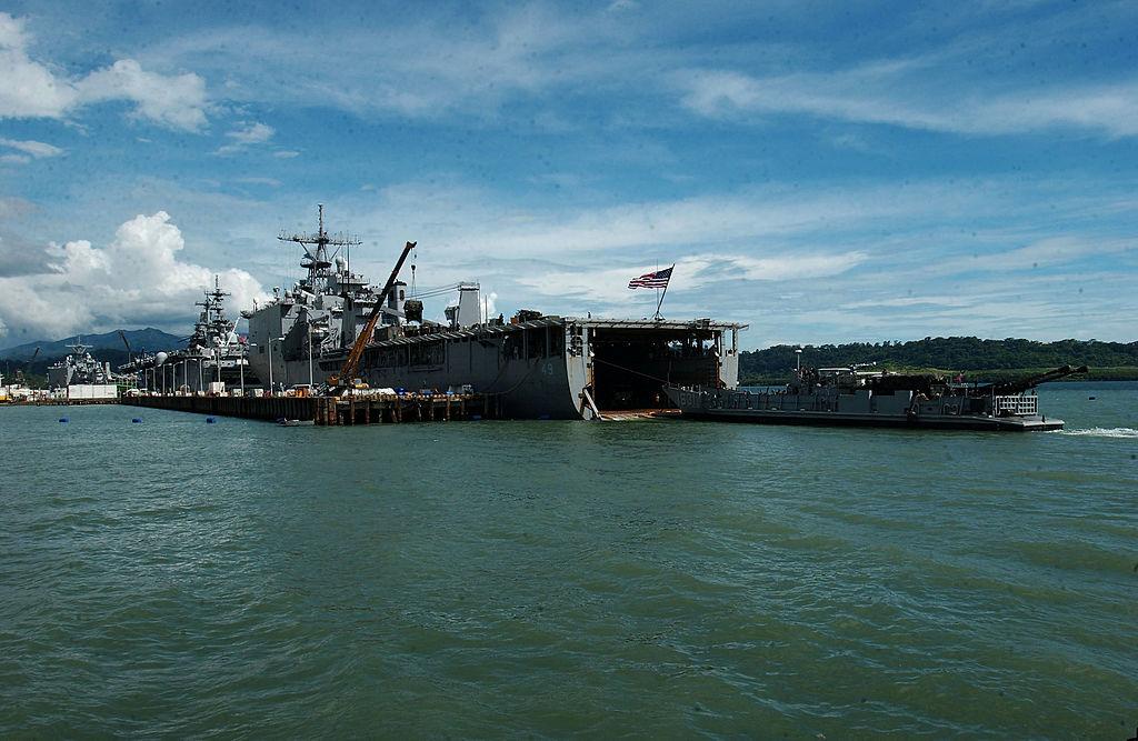 uss-harpers-ferry-2492525