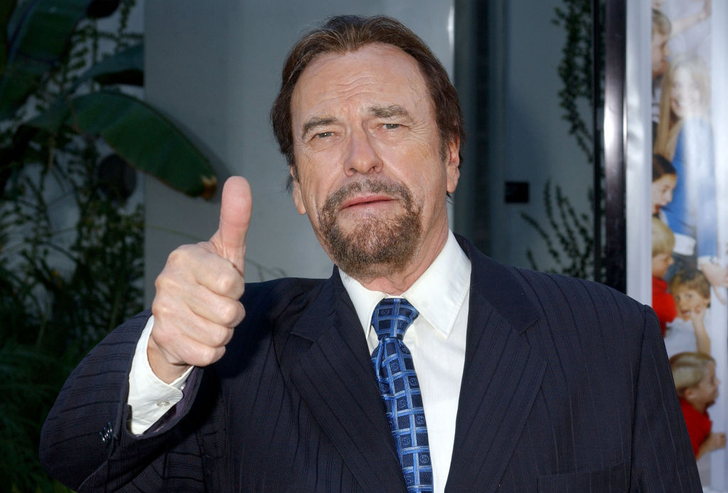 Rip Torn giving a thumbs up