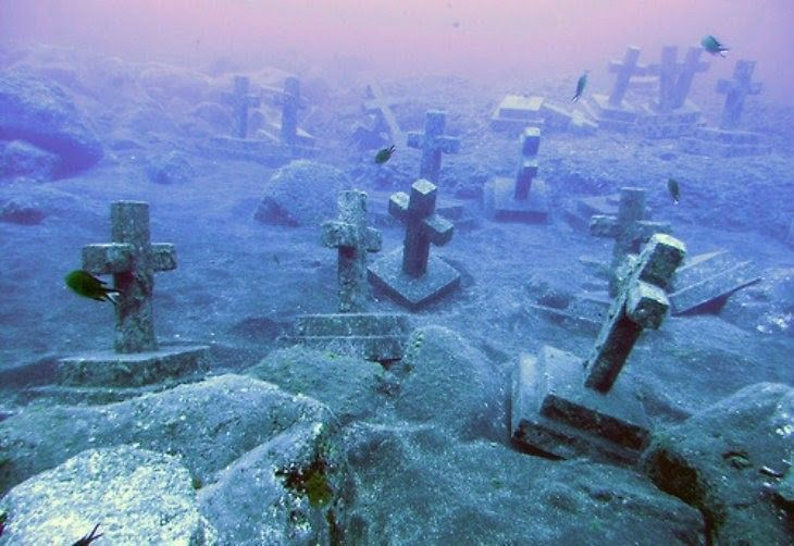Underwater gravesite