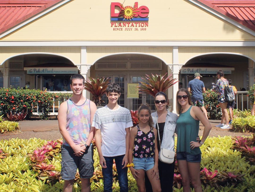 family at the dole plantation
