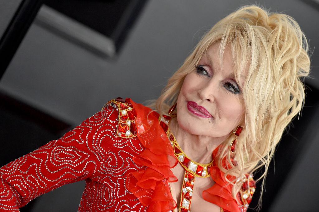 Christmas At Dollywood Stars 'Bright Light' Dolly Parton