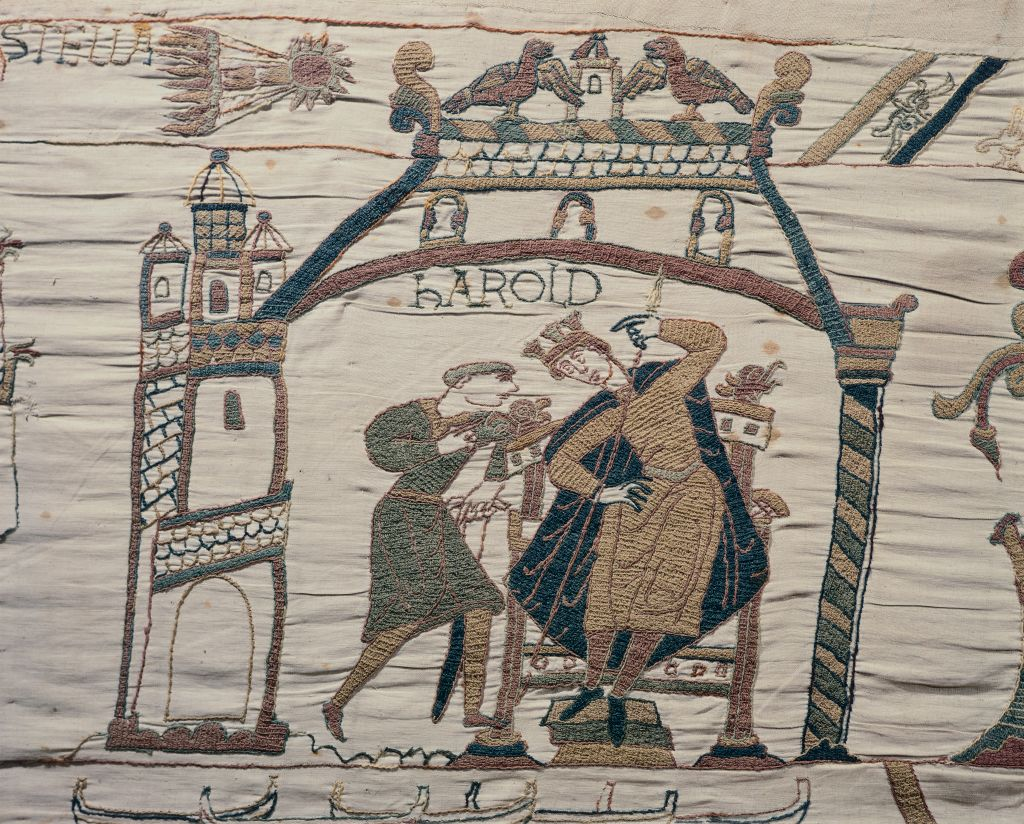 Bayeux Tapestry Illustrates The Comet