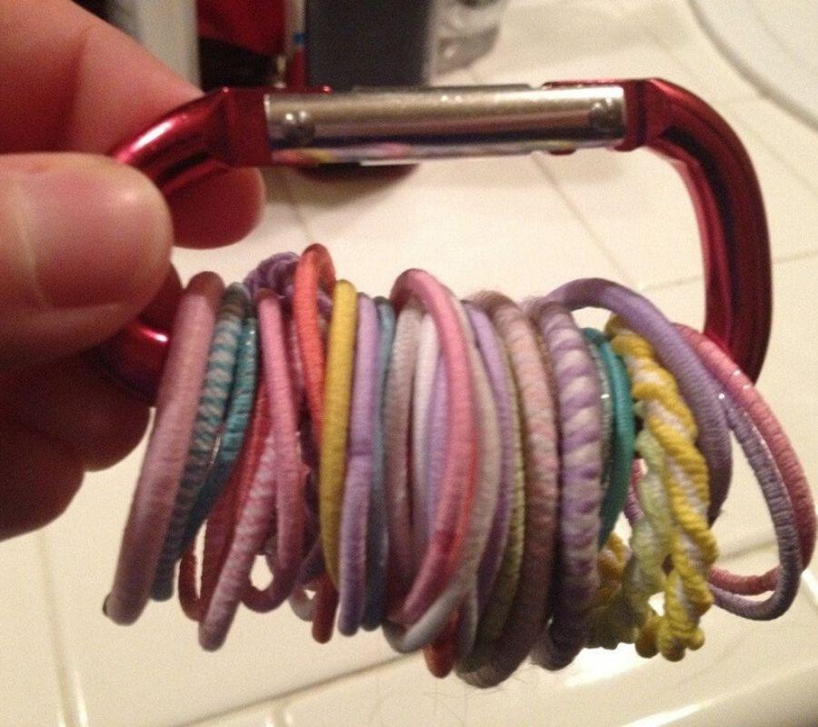 using a clip for hair elastics
