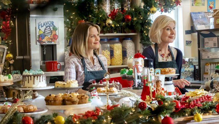 Hallmark Favorite Candace Cameron Bure Stars In Christmas Town