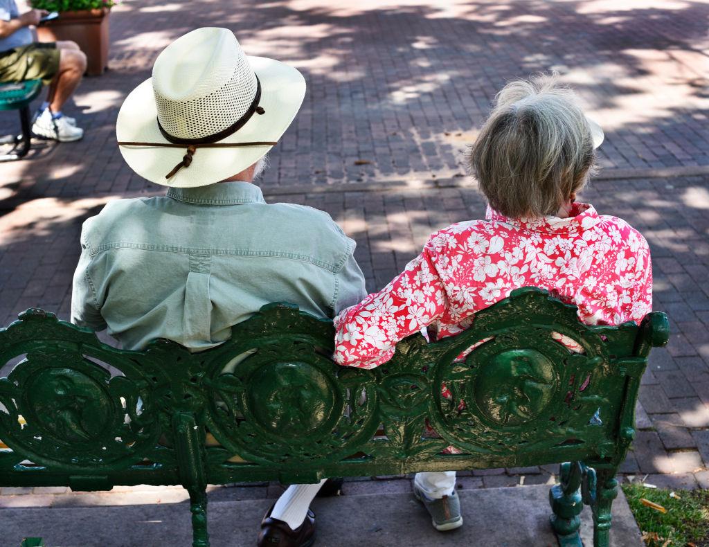 retirement-arizona-1183473701