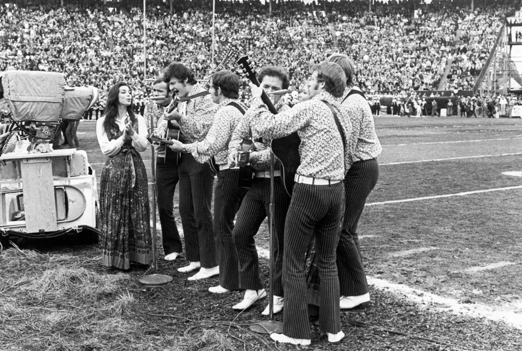New Christy Minstrels performs on the grass during the 1970 Super Bowl.