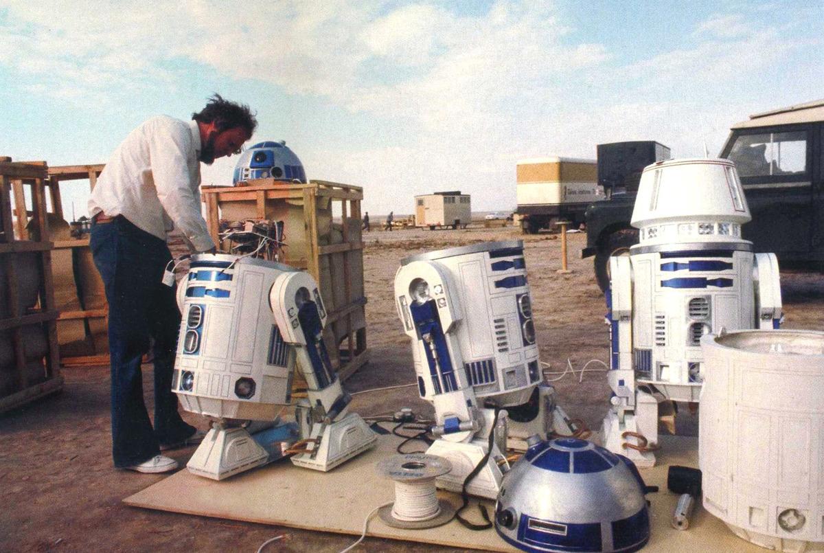 R2-D2's Stunt Double