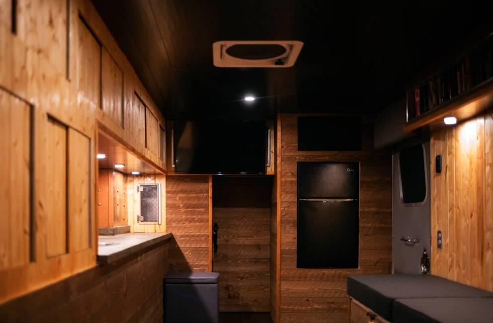 interior-reveal