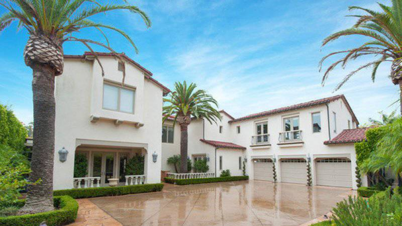 kobe-bryant-mansion-exterior