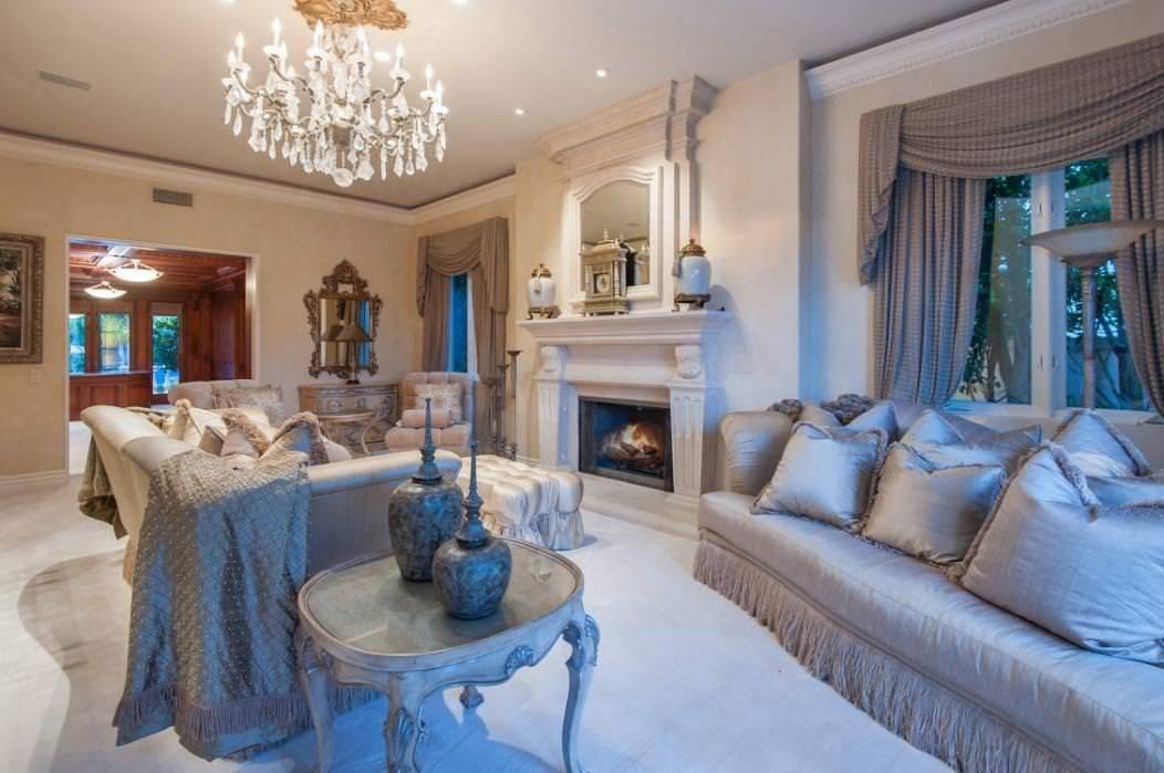 kobe-bryant-mansion-living-room-2