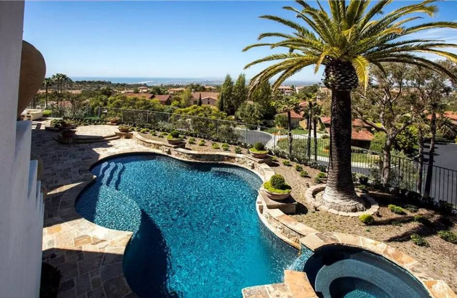 kobe-bryant-mansion-pool