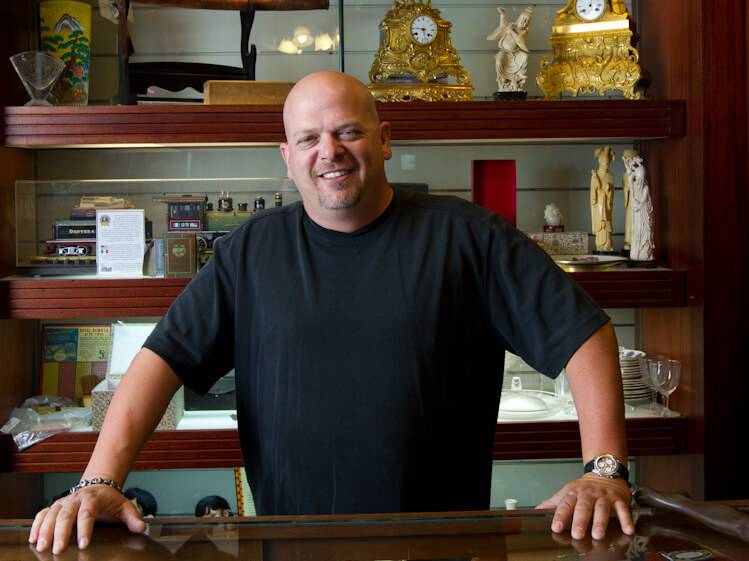 rick-harrison-in-shop-92107-86538