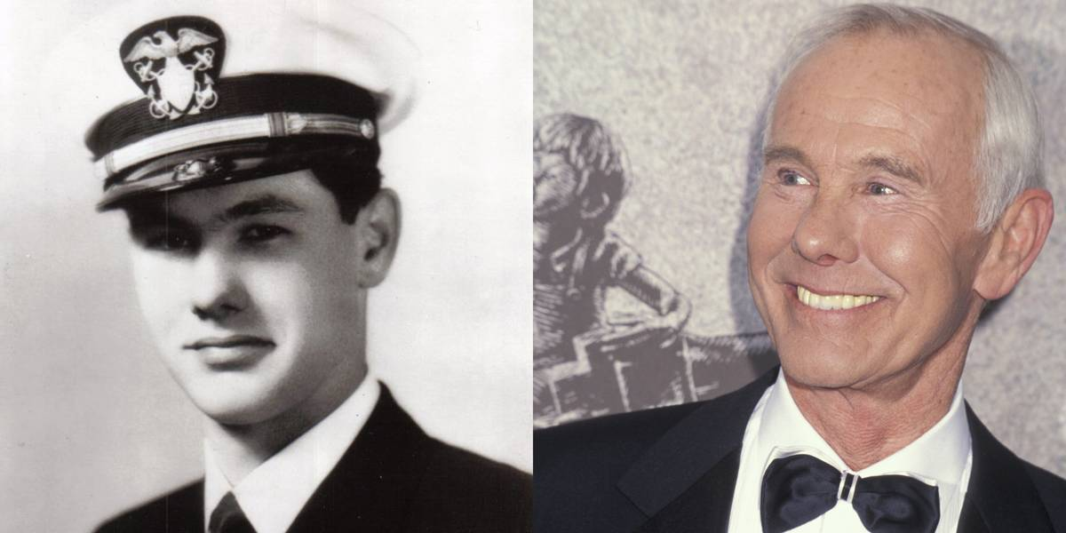 Johnny Carson: United States Navy, 1943