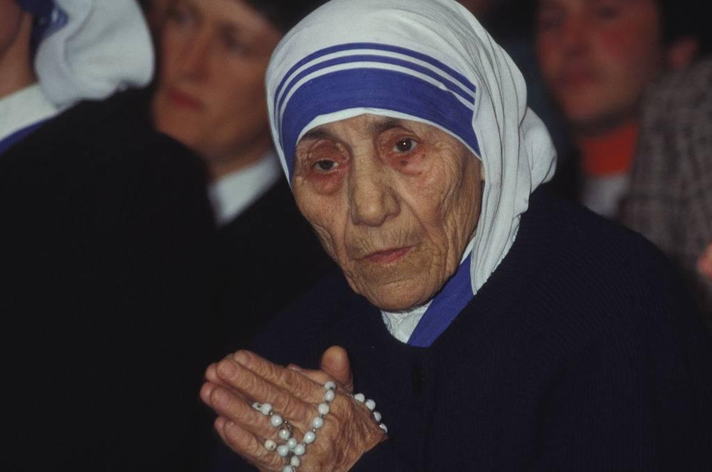 Mother Teresa pray