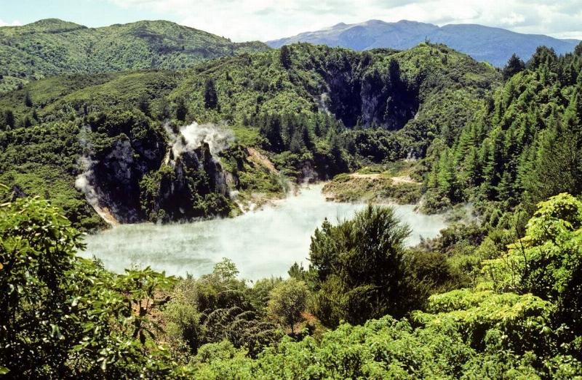 Waimangu Geyser