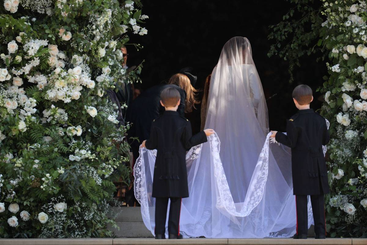 Duchess Meghan's Veil Had 53 Flowers, Representing The Commonwealth