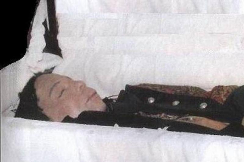 Rick-James-casket