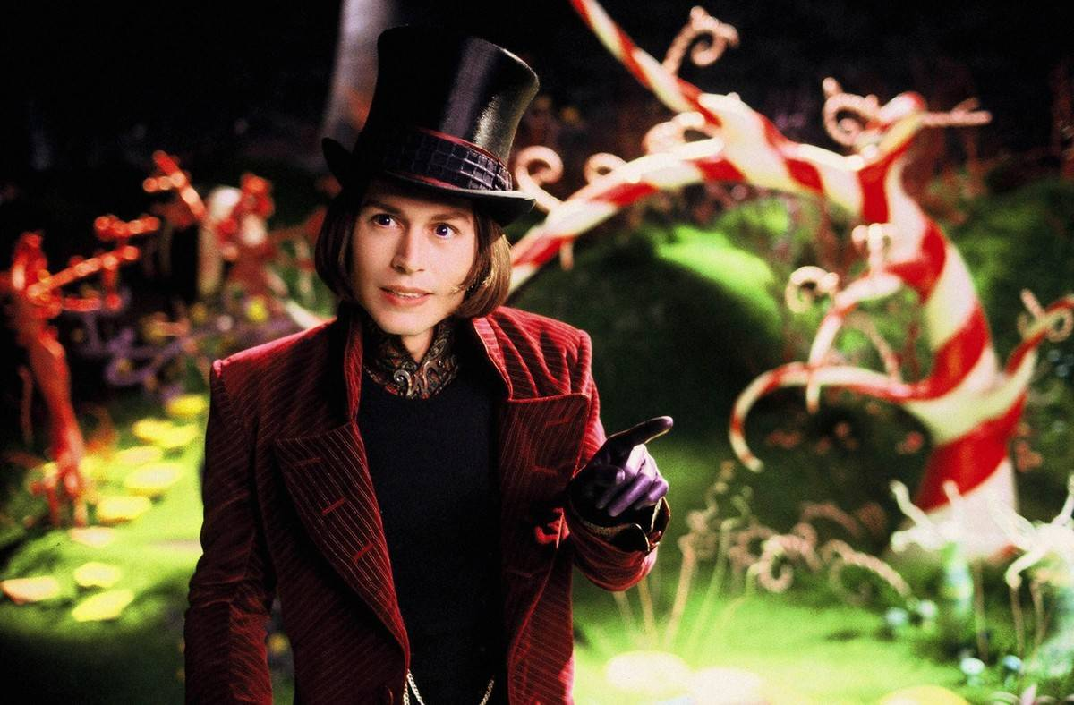 Johnny Depp dressed as Willy Wonka in charlie and the chocolate factory