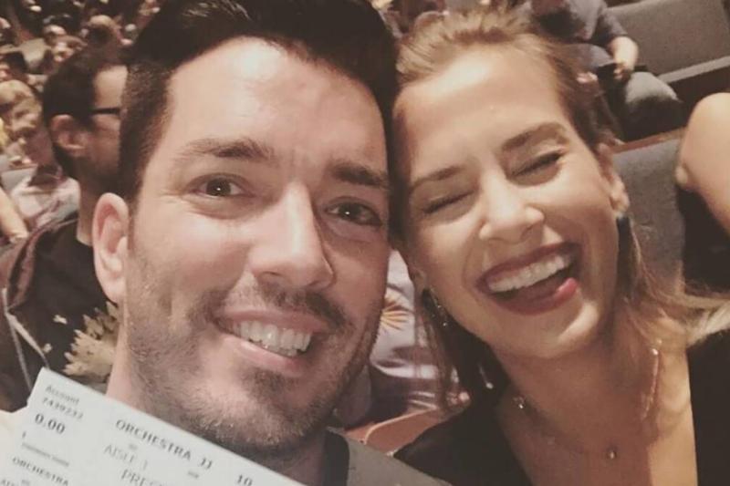 instagram-mrsilverscott-couple-at-concert