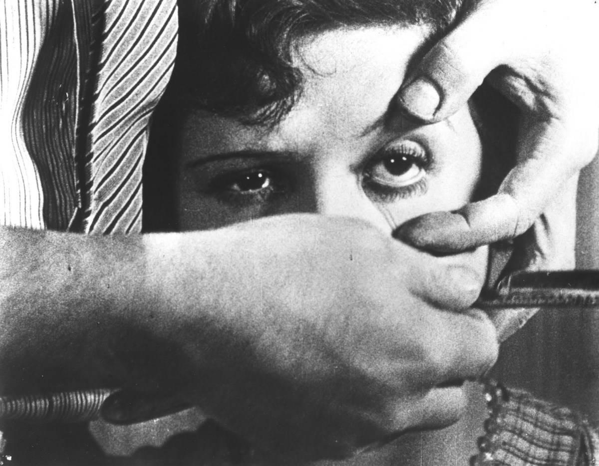 eye pull