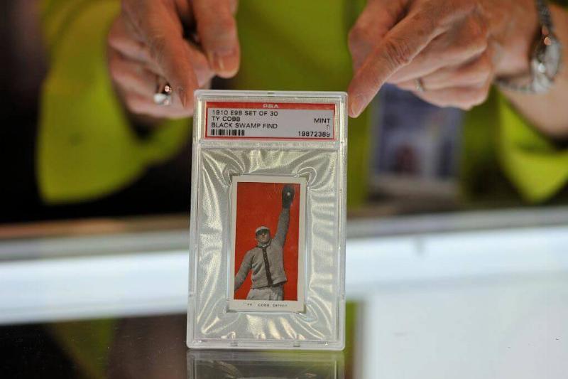 Man Finds Rare Vintage Baseball Cards In Grandpa's Attic